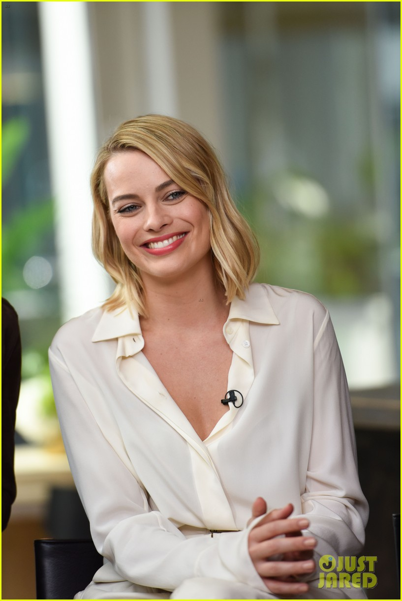 margot robbie armie hammer promote their new movies at tiff 053953880