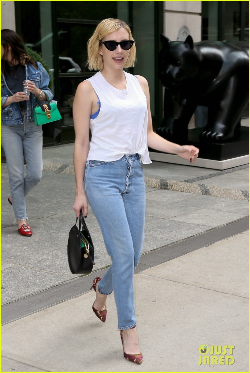 emma roberts enjoys some time off in nyc 013956774