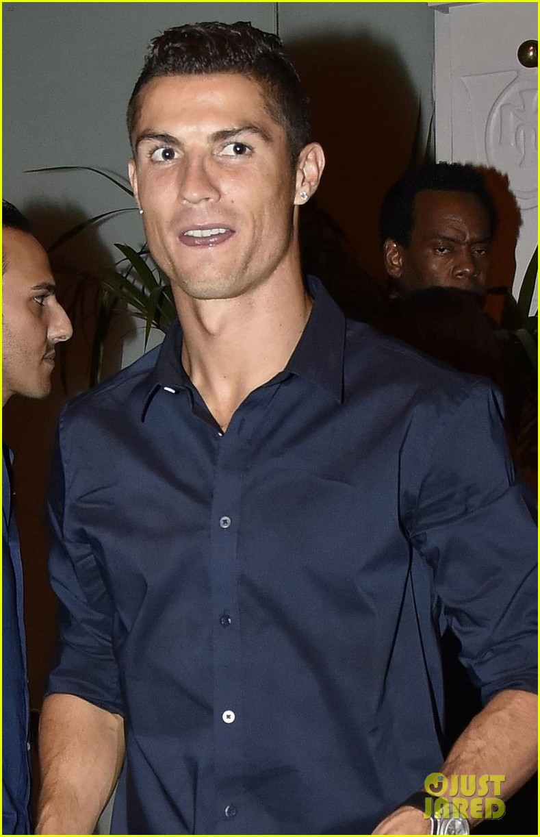 cristiano ronaldo grabs dinner with pregant girlfriend georgina rodriguez 013961249