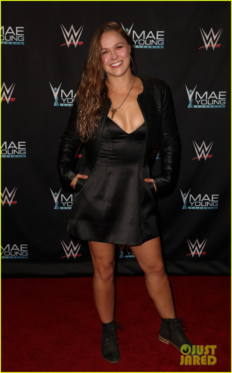 ronda rousey attends first event since tying the knot 013956234