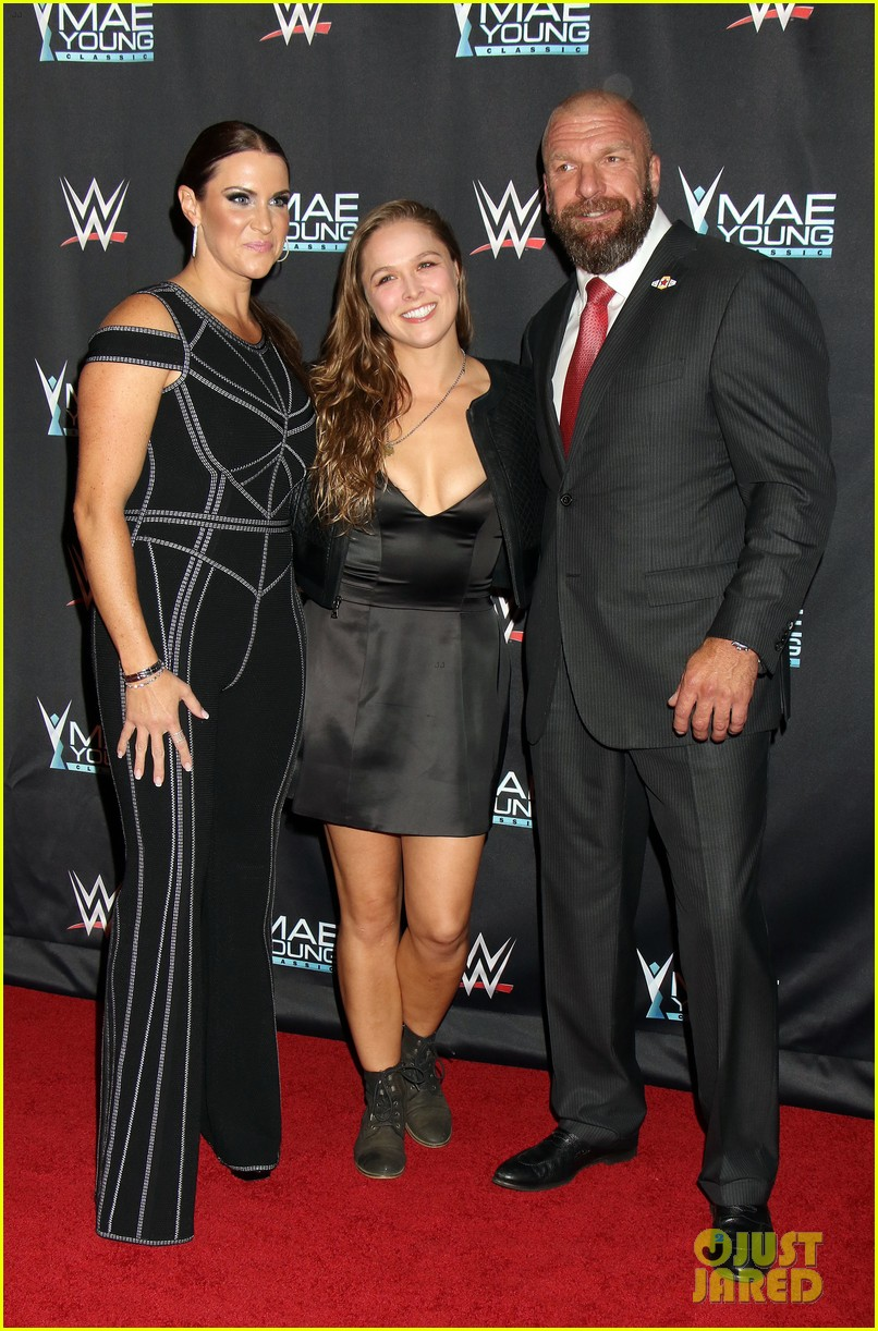 ronda rousey attends first event since tying the knot 033956236