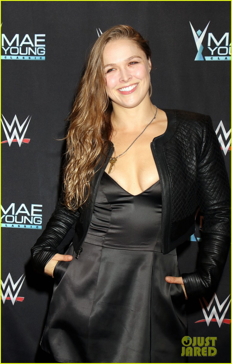 ronda rousey attends first event since tying the knot 043956237