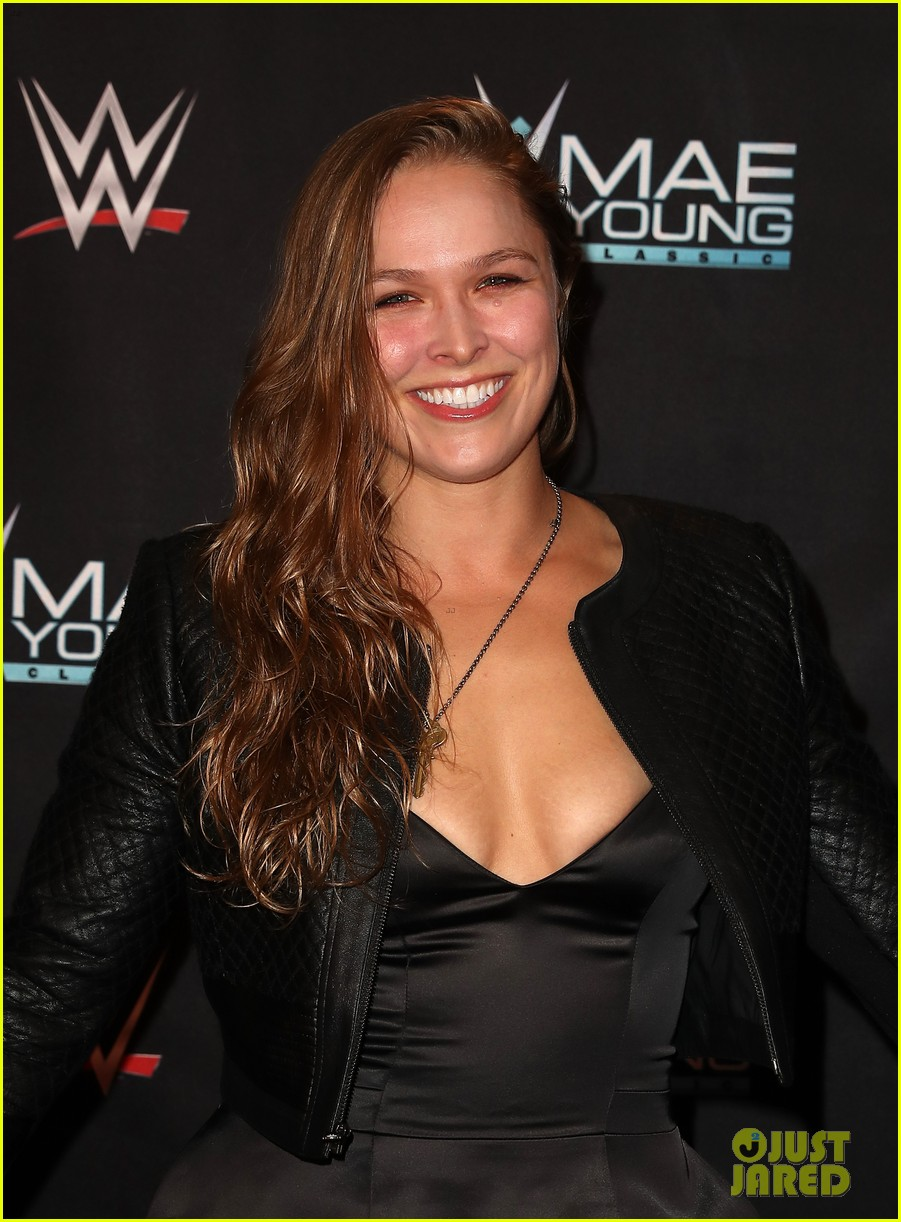 ronda rousey attends first event since tying the knot 073956240