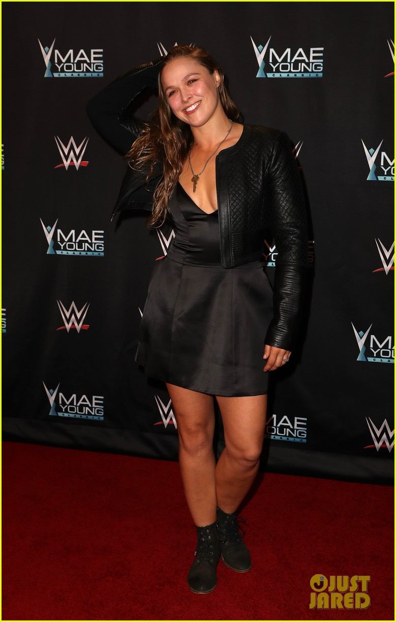 ronda rousey attends first event since tying the knot 093956242