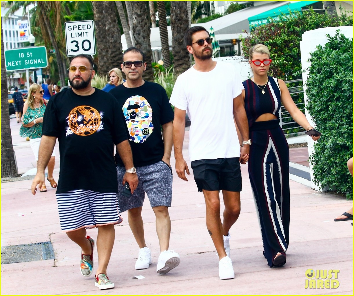 scott disick sofia richie continue pda filled vacation 053963708