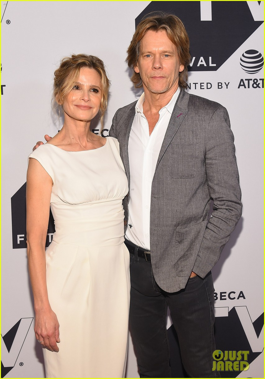 kyra sedgwick gets support from hubby kevin bacon at ten days in the valley premiere 013964022