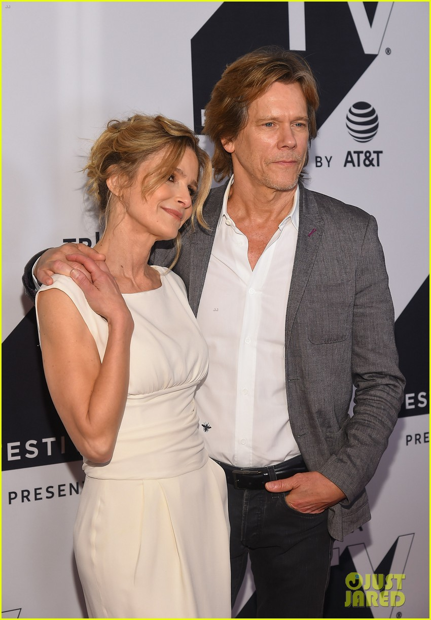 kyra sedgwick gets support from hubby kevin bacon at ten days in the valley premiere 043964025