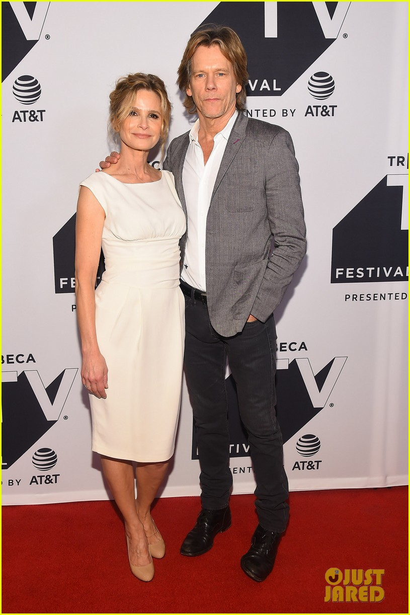 kyra sedgwick gets support from hubby kevin bacon at ten days in the valley premiere 123964033