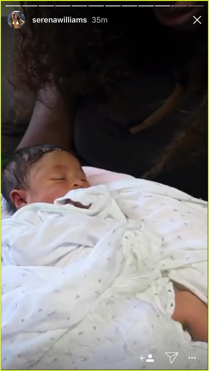 serena williams debuts baby daughter 053956290
