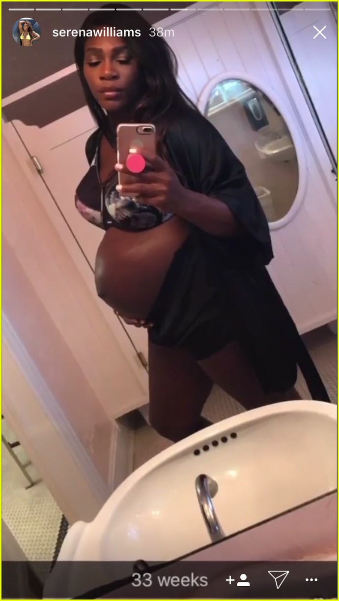 serena williams debuts baby daughter 123956297