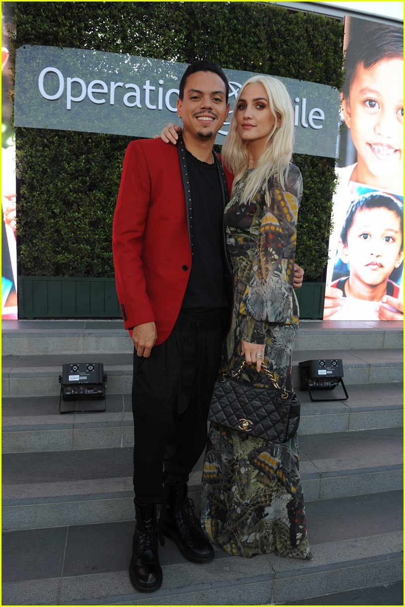 ashlee simpson and evan ross couple up for nyfw zadig voltaire nyfw show 033955523
