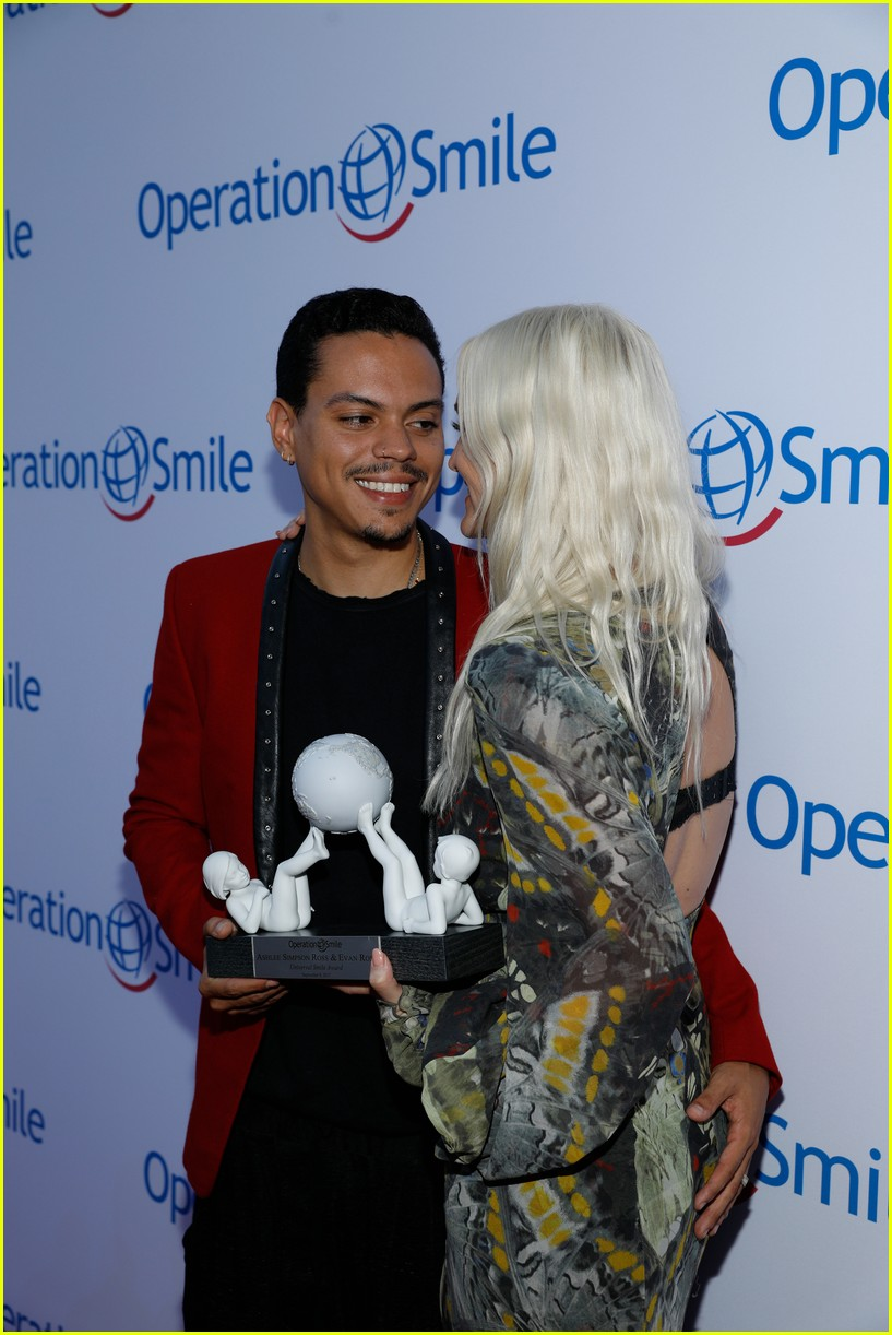 ashlee simpson and evan ross couple up for nyfw zadig voltaire nyfw show 053955525