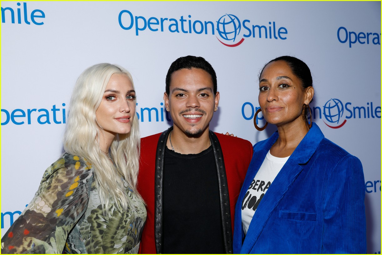 ashlee simpson and evan ross couple up for nyfw zadig voltaire nyfw show 273955547