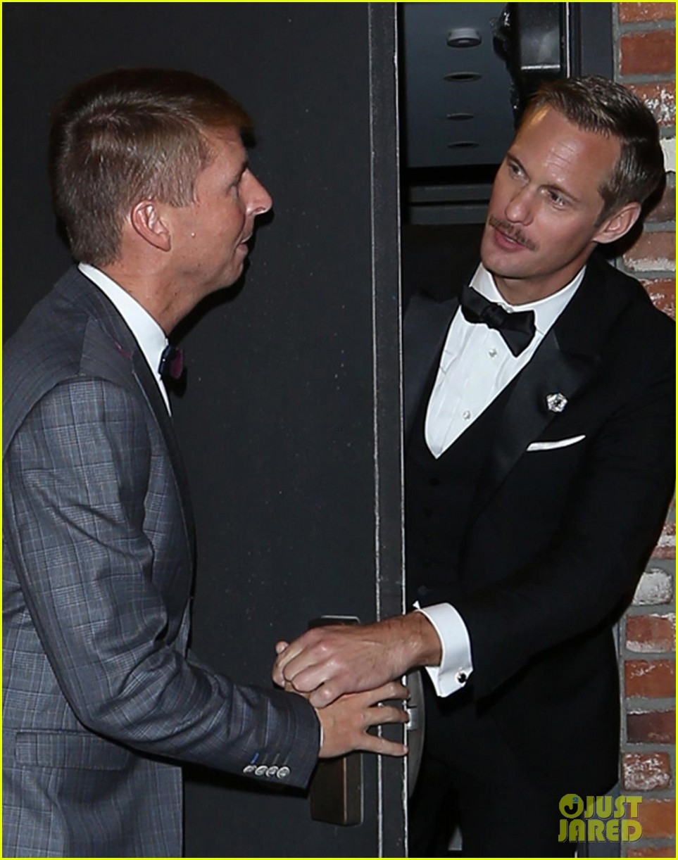 alexander skarsgard jokingly denies jack mcbrayer entry to emmys party 063960082