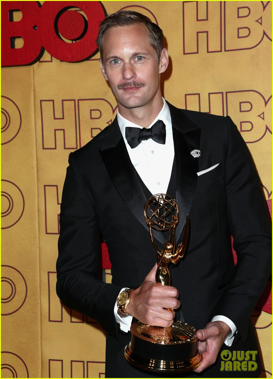 alexander skarsgard jokingly denies jack mcbrayer entry to emmys party 133960089