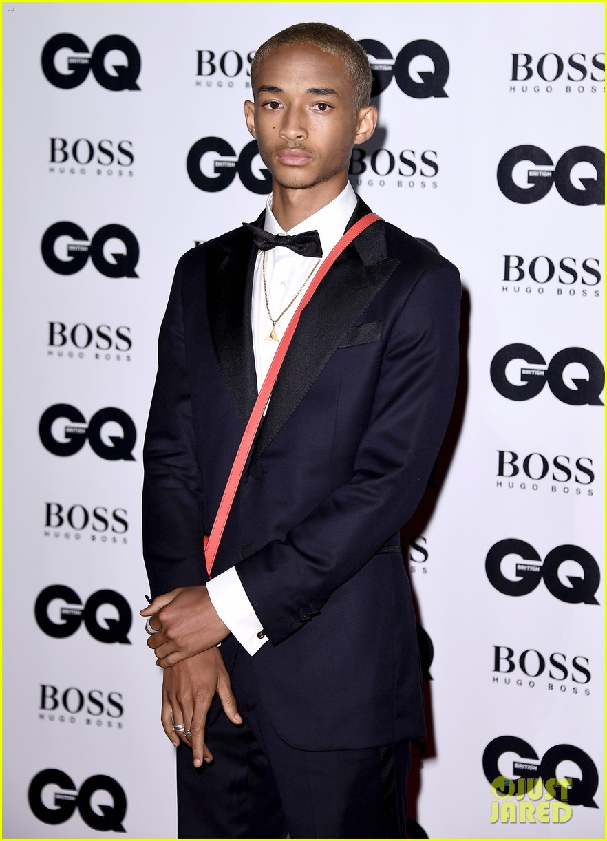 jaden smith joins the guys of stranger things at gq man of the year awards 013951155