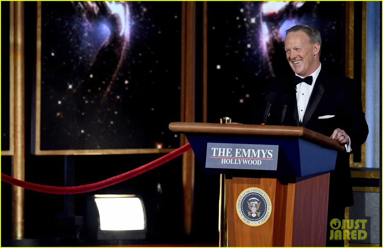 sean spicer surprise emmys appearance 013959303