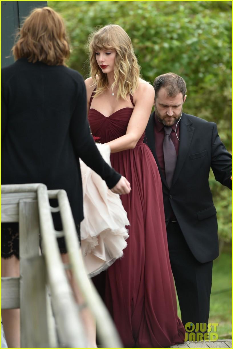 taylor swift serves as bridesmaid at bff abigails wedding 013950270