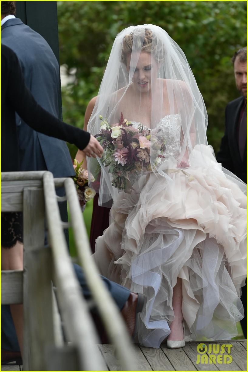 Taylor Swift Serves as Bridesmaid at BFF Abigail\'s Wedding (Photos ...
