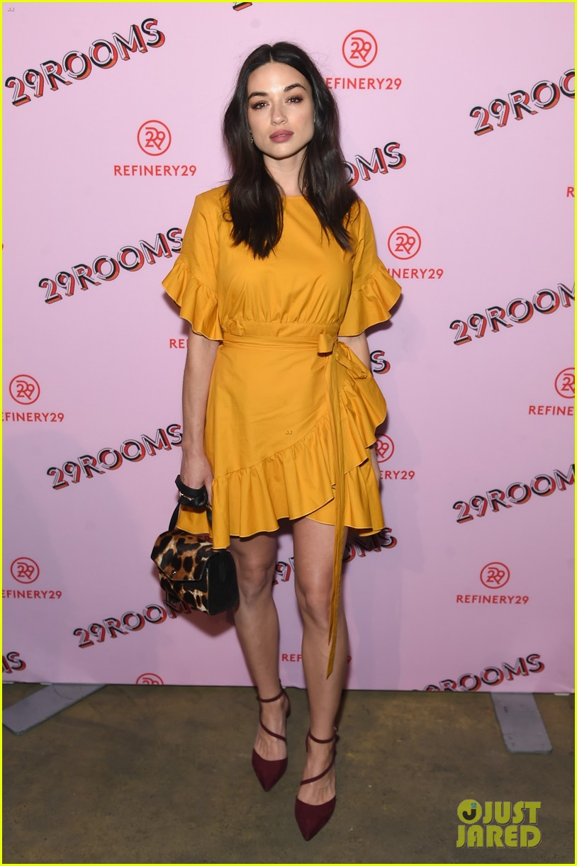 bella thorne emma roberts and ashley benson step out for 29rooms event 123952927