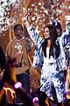 travis scott performs at iheartradio music festival amid kylie jenner pregnancy rumors 01