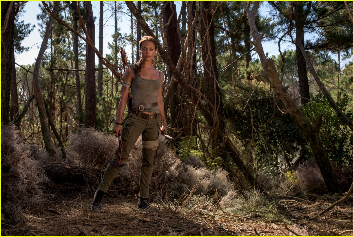 alicia vikander in tomb raider first poster footage 033960190