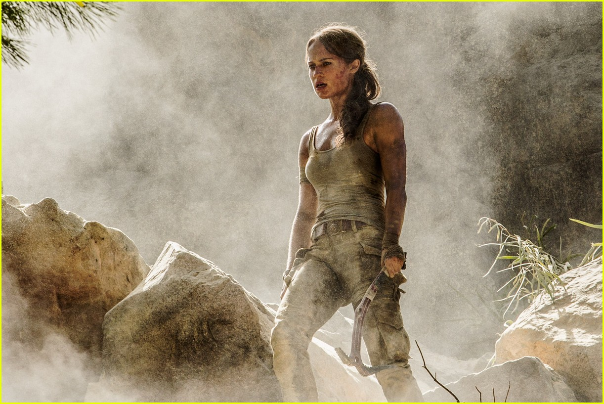 alicia vikander in tomb raider first poster footage 043960191
