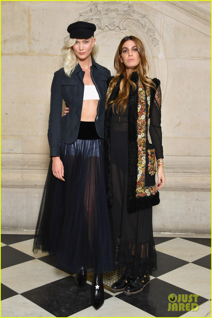 naomi watts annabelle wallis emily ratajkowski hit up christian dior show 053964742