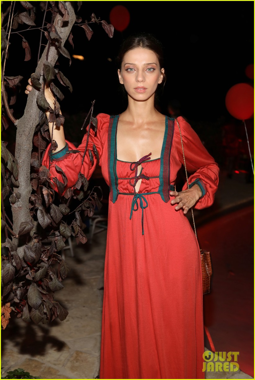 angela sarafyan georgie flores britt robertson just jared halloween 133979212