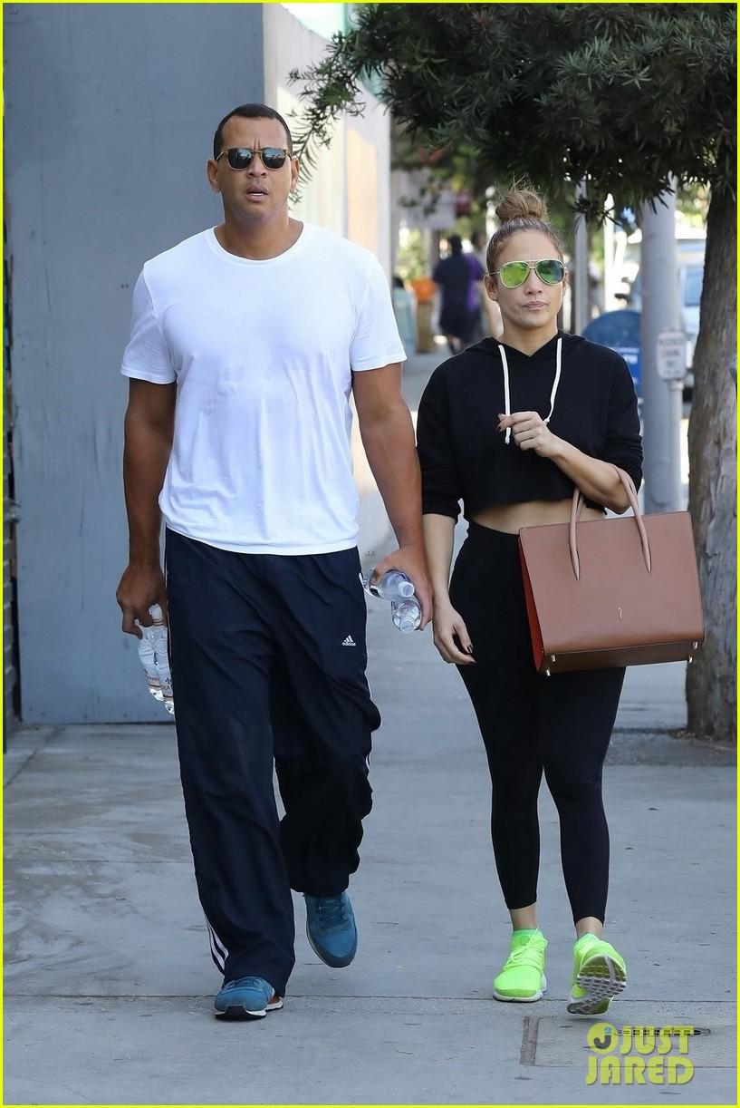 jennifer lopez alex rodriguez couple up for gym date 053968798