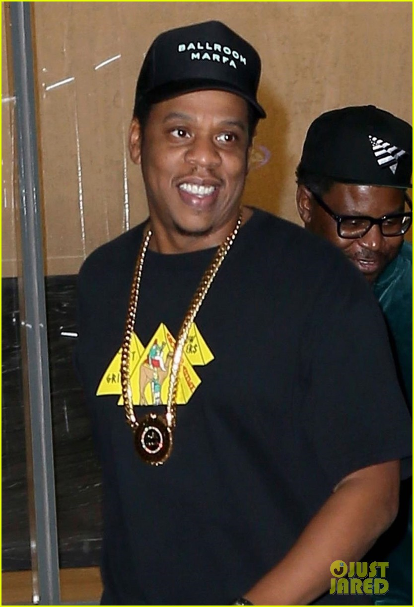 beyonce wears chic t shirt dress for date night with jay z 023967700