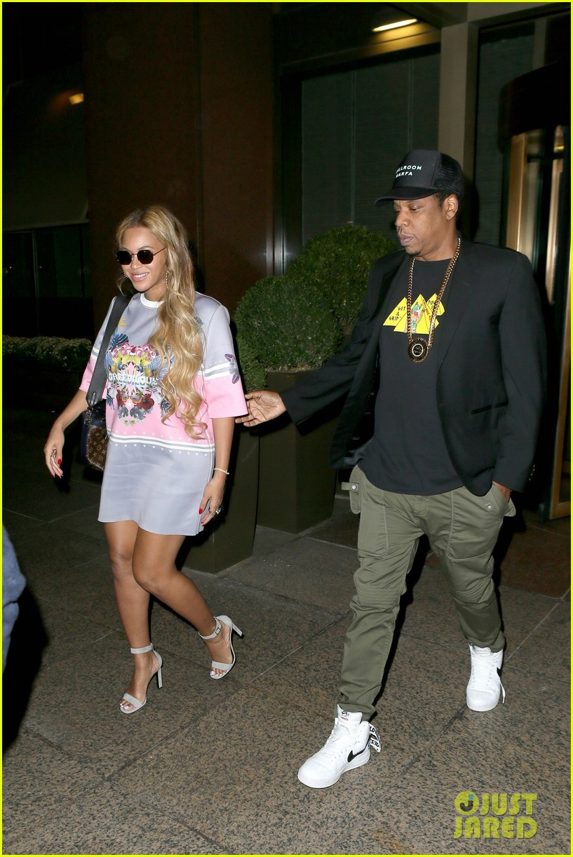 beyonce wears chic t shirt dress for date night with jay z 053967703