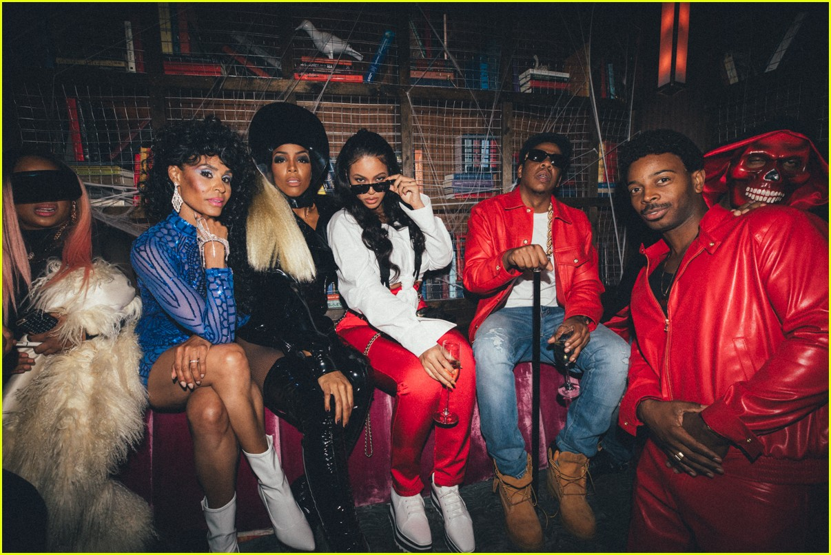 beyonce jay z dress as lil kim notorious big for halloween 033980555