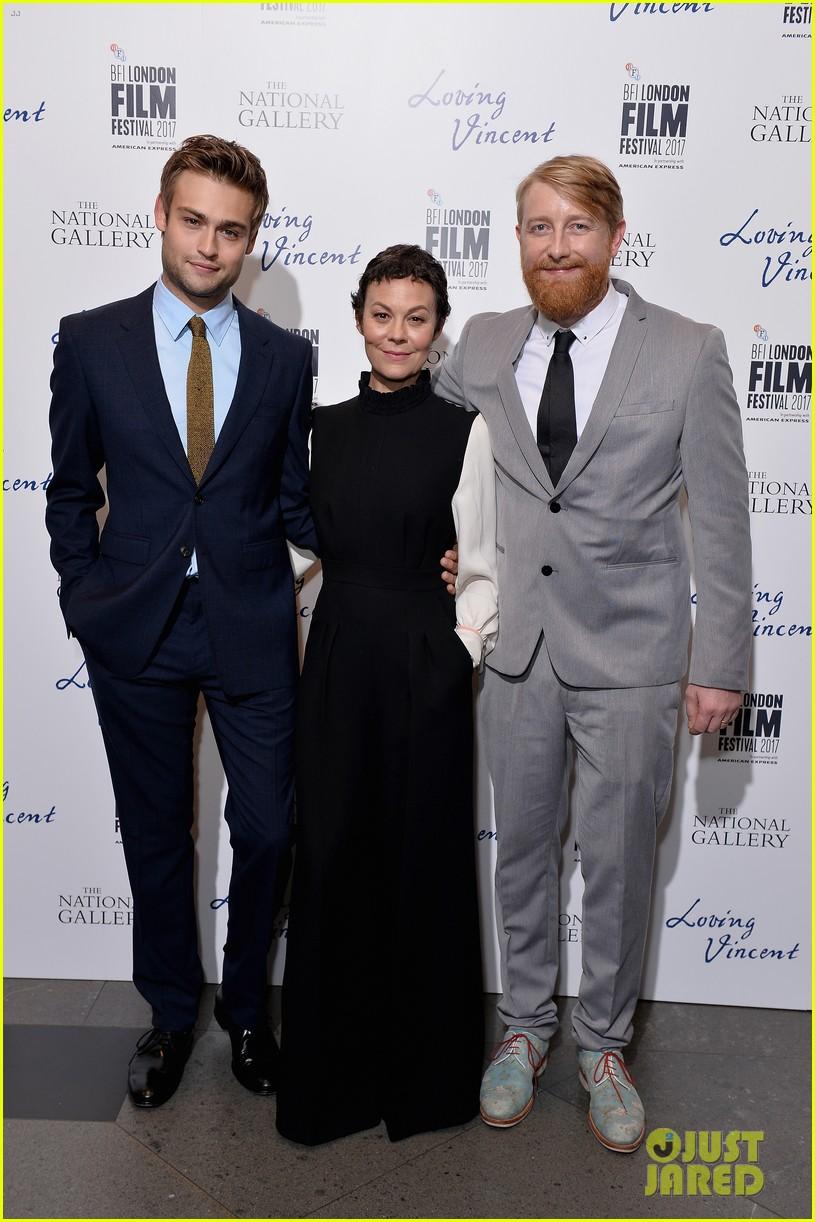 douglas booth suits up for loving vinent bfi london film fest premiere 023970419