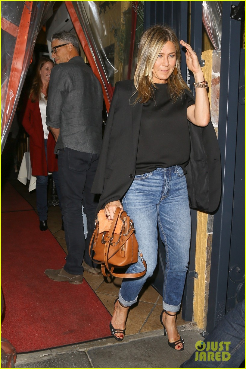 jennifer aniston sandra bullock dinner 023976512
