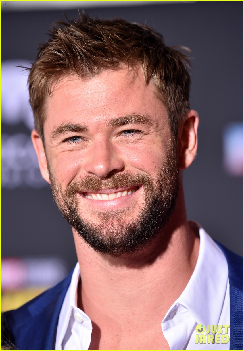 Chris Hemsworth S Wife Elsa Pataky Supports Him At Thor
