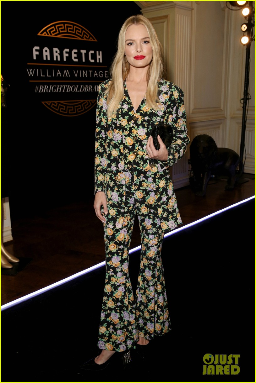 amal clooney has solo girls night out at william vintages gianni versace archive 283968923