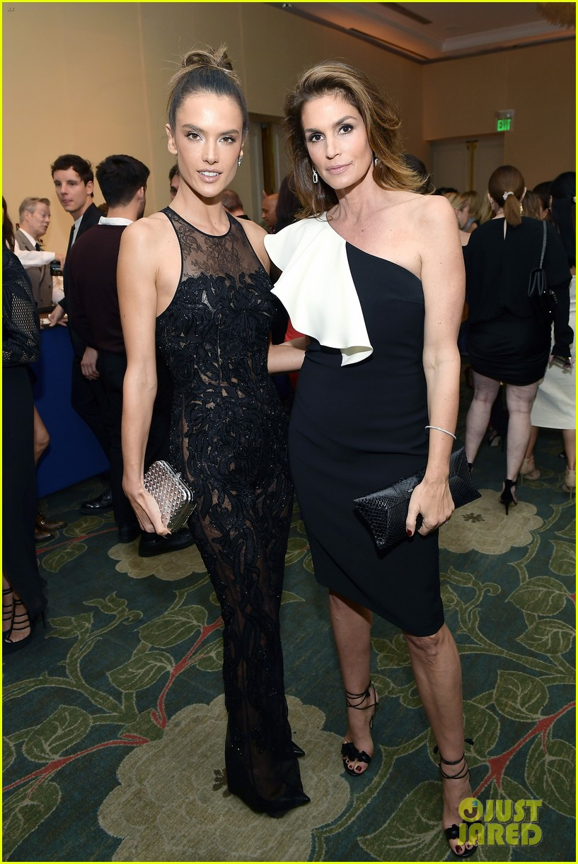 cindy crawford and alessandra ambrosio look so chic at elle women in hollywood event 013973567