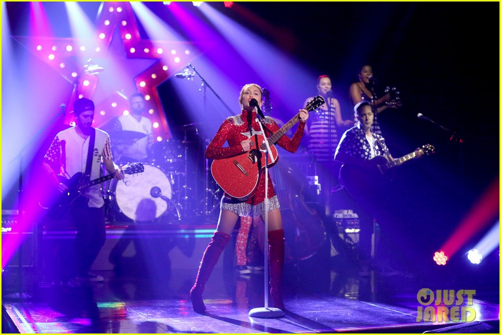 miley cyrus performs these boots are made for walkin on tonight show clinton 043968336