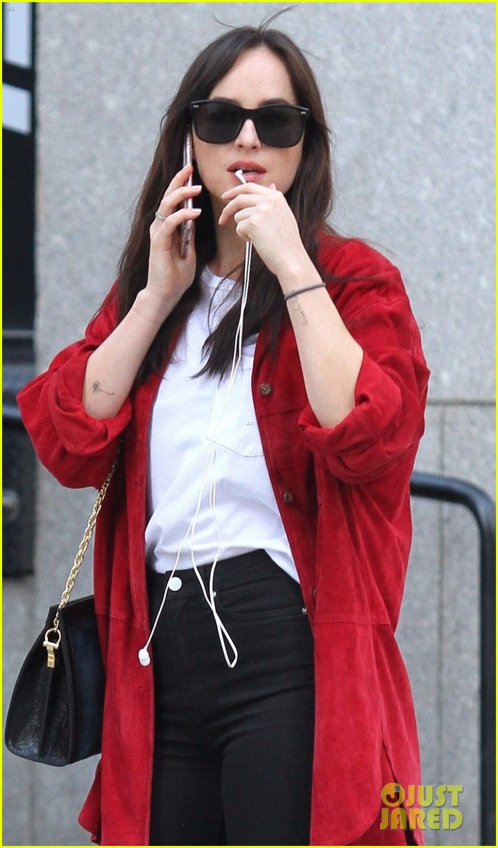 dakota johnson nyc 023968490