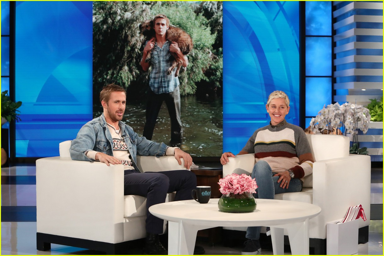 ellen degeneres runs and jumps into ryan goslings arms 063968833