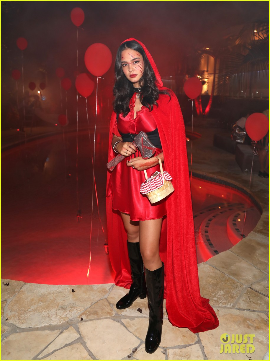 courtney eaton r5 just jared halloween party 2017 093979319