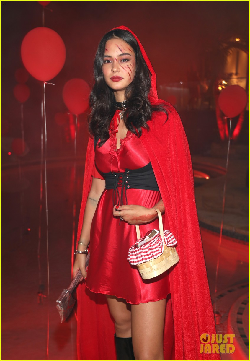 courtney eaton r5 just jared halloween party 2017 103979320