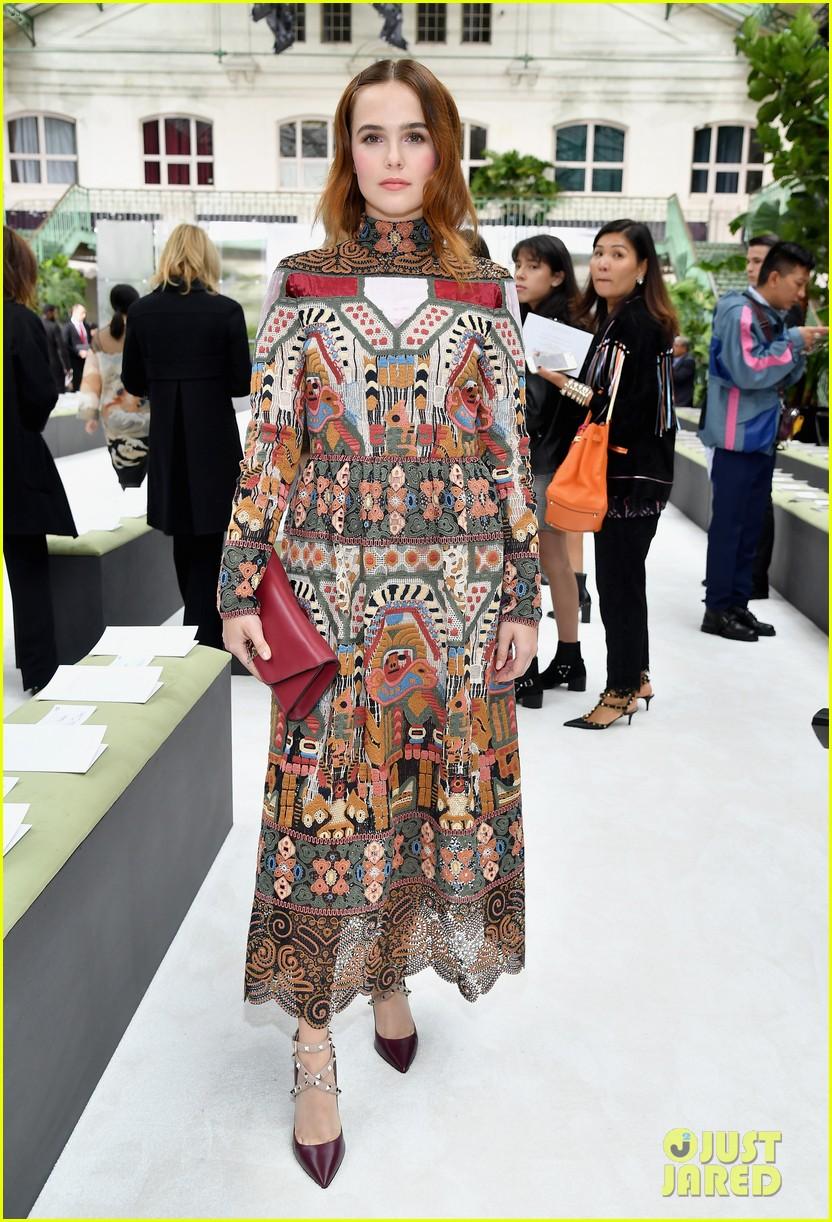zoey deutch attends valentino show at paris fashion week 053966768