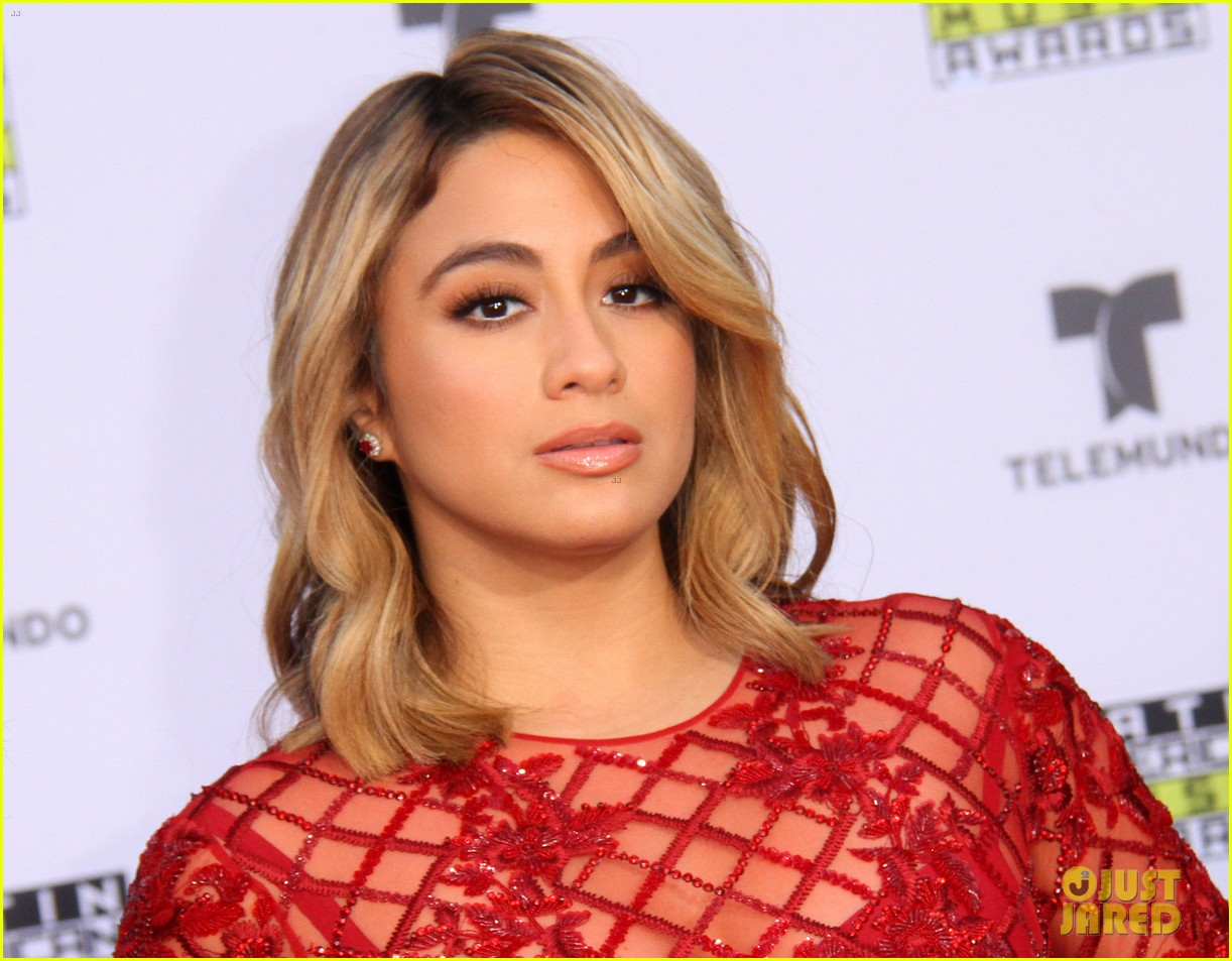 fifth harmony goes sexy for latin american music awards 2017 053978448