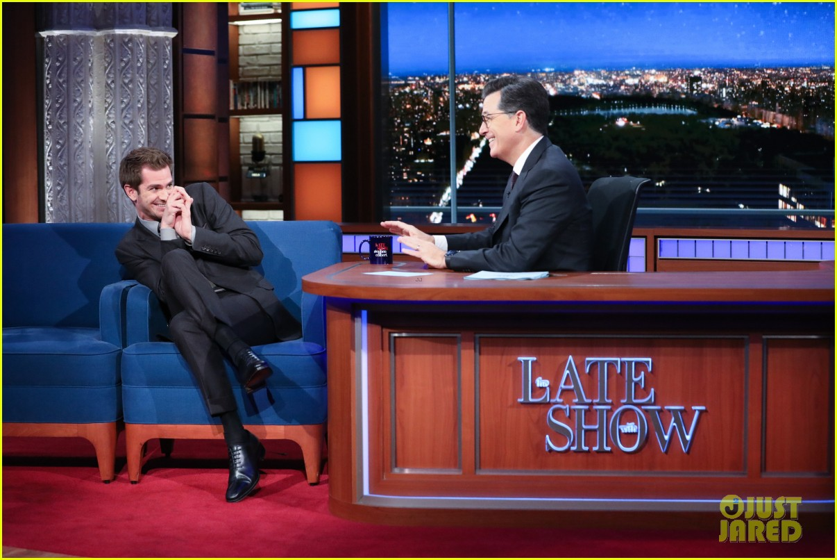 andrew garfield says the world doesnt need movie stars on the late show 033971524
