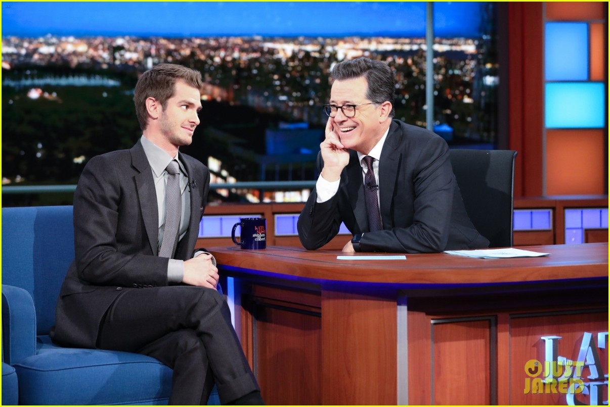 andrew garfield says the world doesnt need movie stars on the late show 043971525