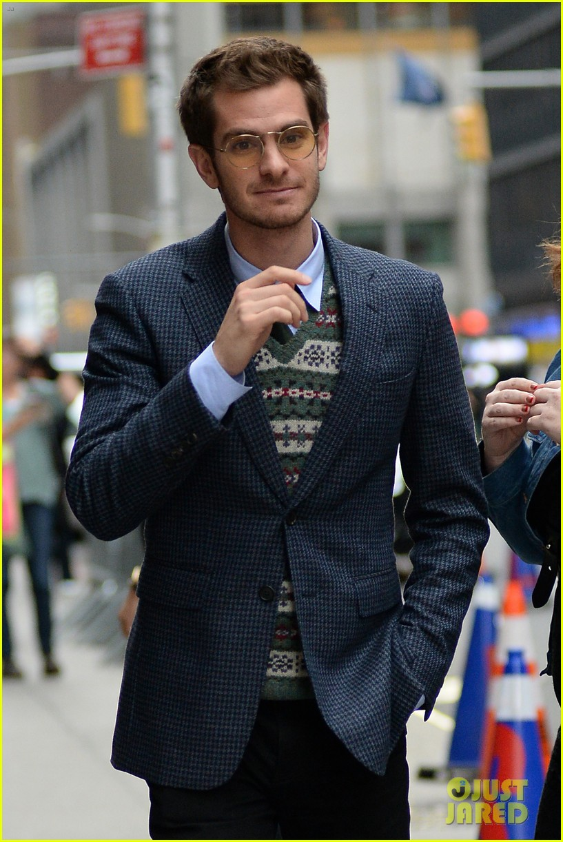 andrew garfield says the world doesnt need movie stars on the late show 053971526