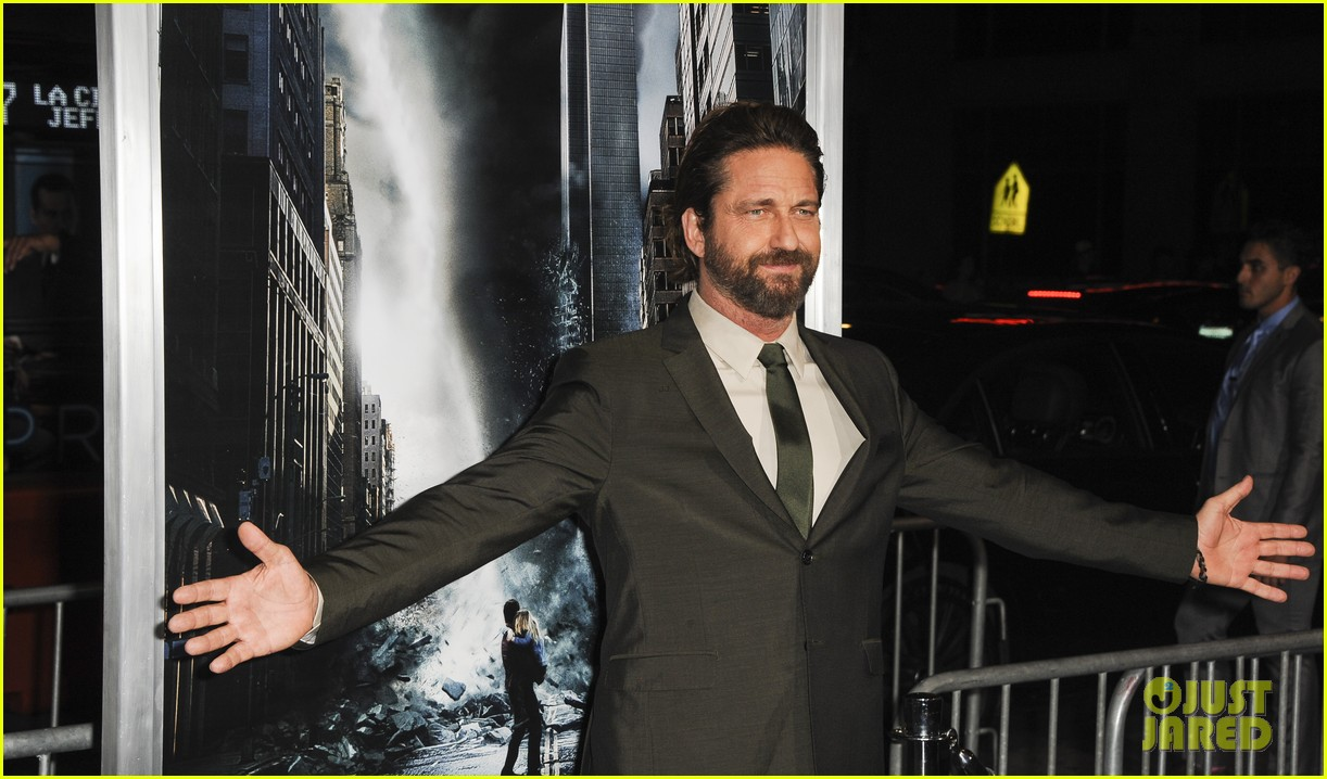 gerard butler geostorm premiere after motorcycle accident 103973560