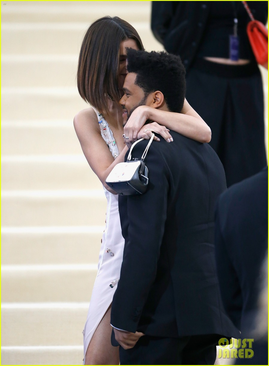 selena gomez the weeknd split 083979870